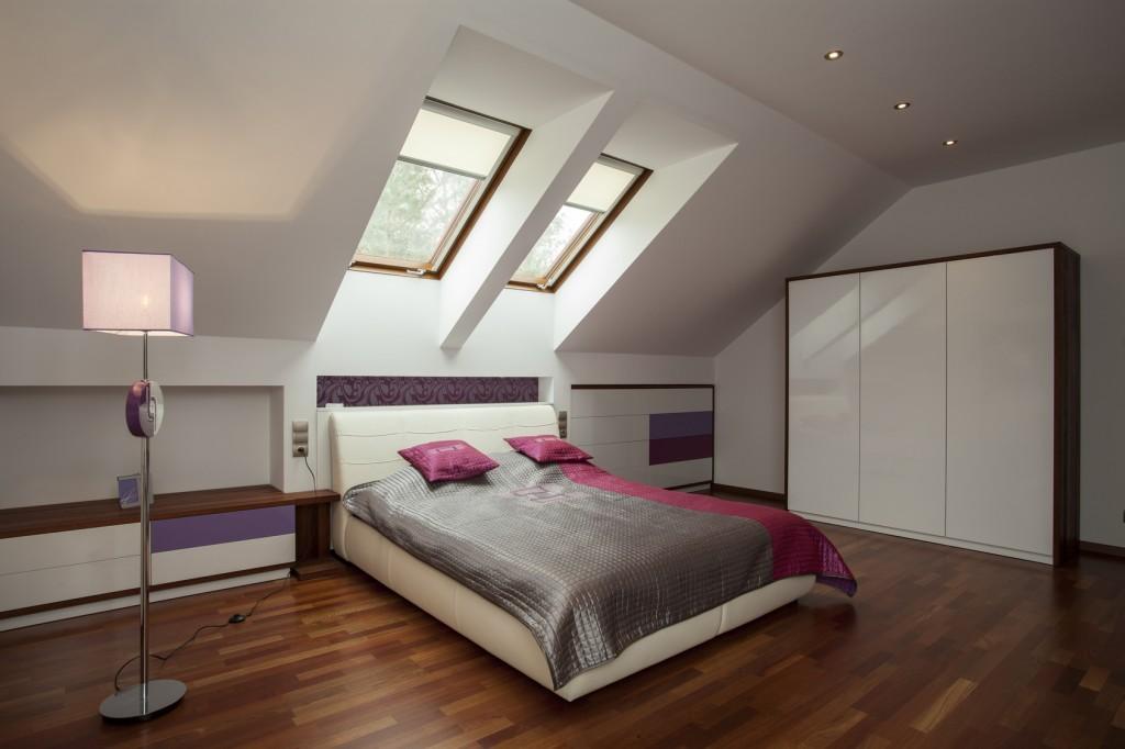 Spacious modern bedroom